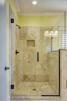Важно ли е кой ще монтира новата Ви душ кабина?