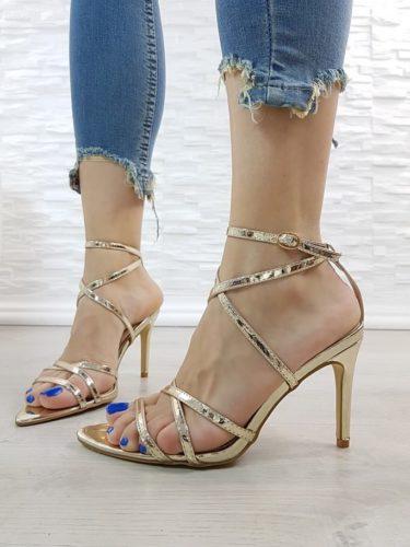 Подгответе се за летен сезон 2019 с дамските сандали на магазин Stiletto!
